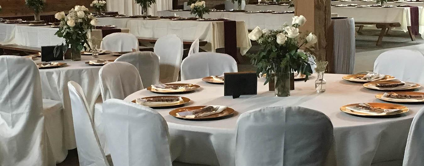 wedding tables at The Barn at Chestnut Ridge