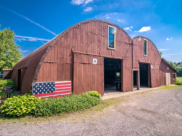 the barn at chestnut ridge exterior